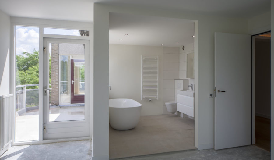 Renovatie penthouse, stucwerk, keukenmontage, leidingwerk, badkamermontage, DFklusmontage